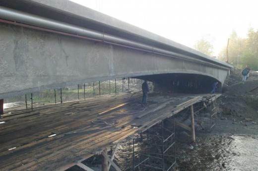 Structural strengthening of a span over a mountains stream