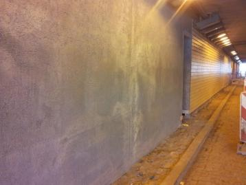 Renovation of tunnel walls